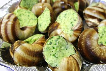Escargots au beurre de persil et mousseline de c leri rave for Aftouch cuisine com